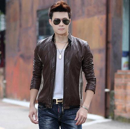 Модная демисезонная мужская куртка из экокожи фото