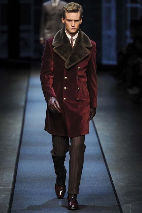 велюровое мужское пальто фото