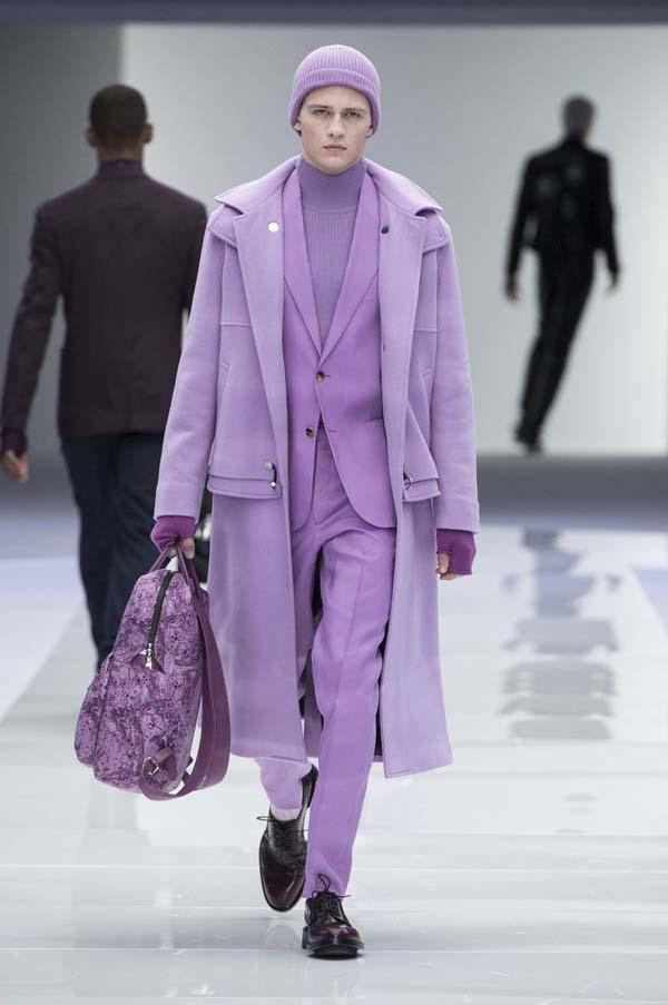 модное мужское лиловое пальто фото
