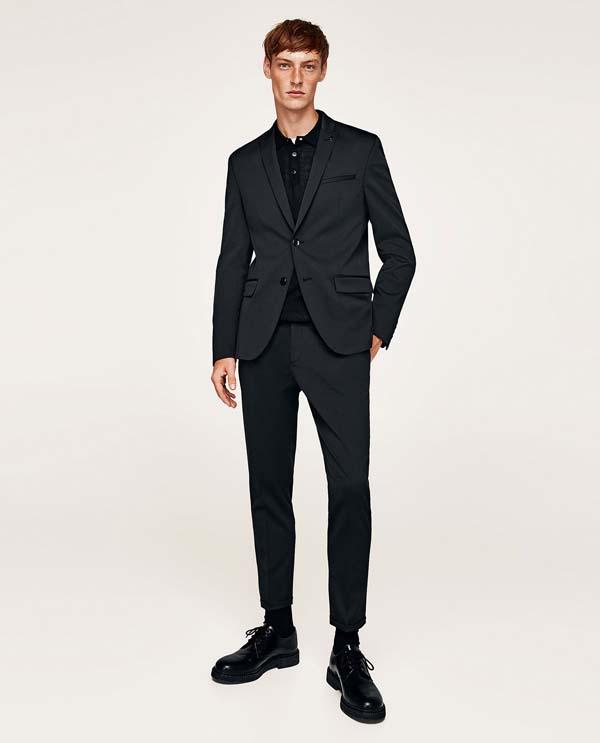 серый мужской костюм фото