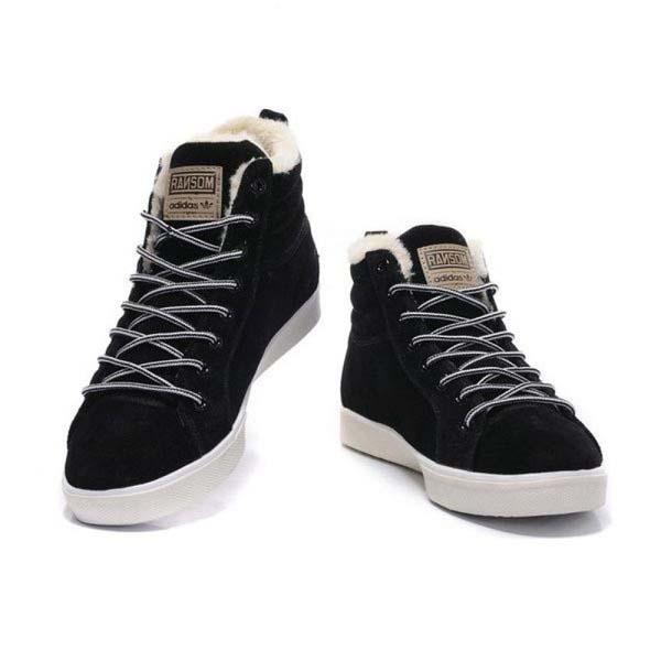 черные зимние кроссовки адидас фото