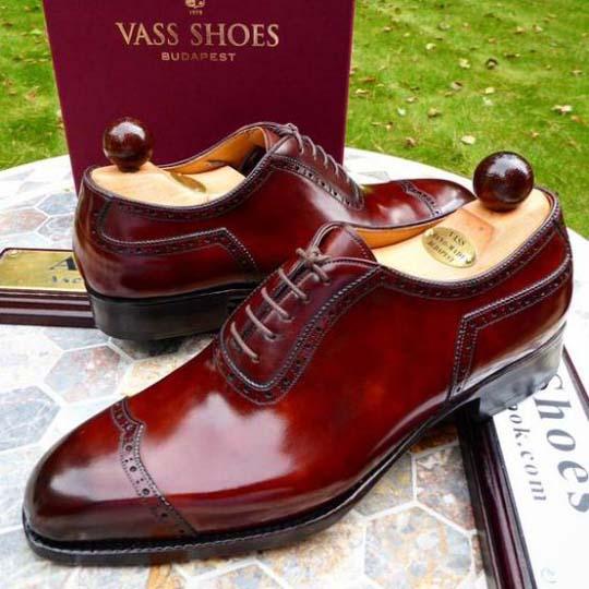 модные красные туфли 2018