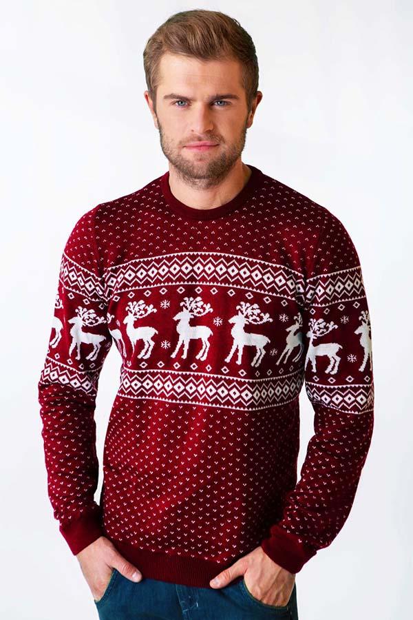 свитер с оленями для мужчины