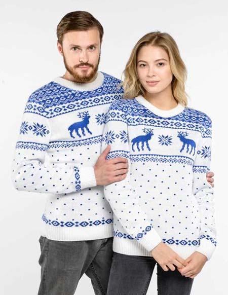 парные свитера с оленями фото